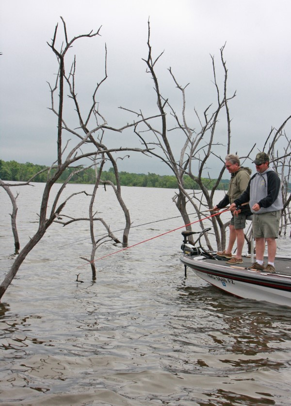 One-pole tournaments are a challenge, a change-of-pace to the common multipole format and gives those who enjoy jig fishing a chance to compete with other single-pole fishermen.